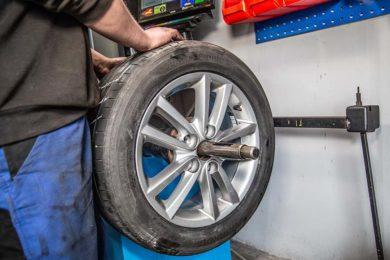 Reifen und Räder – Service